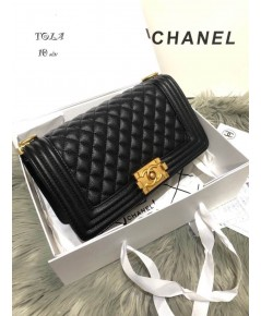 Chanel Le Boy Flap Shoulder Bag 10 นิ้ว