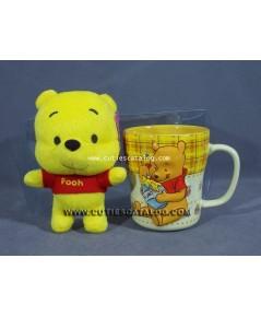 แก้วหมีพูห์ พร้อมตุ๊กตาหมีพูห์ (Pooh mug with Pooh doll)