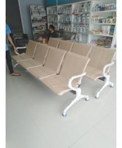 จัดส่งเก้าอี้นั่งรอคิว 4 ที่นั่ง /CR