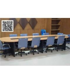 โต๊ะประชุมและเก้าอี้สำนักงาน