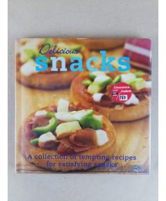 Delicious snacks ปกแข็ง