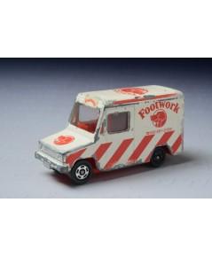 รถเหล็ก Tomica No.27 Isuzu Hipac Van (Foot Work)
