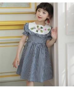 ชุดเดรสผ้าฝ้ายลายตาราง ชุดเดรสเจ้าหญิง ปักดอกไม้ช่วงหน้าอก แขนตุ๊กตาน่ารักมากคะ แฟชั่นเด็กเกาหลี งาน