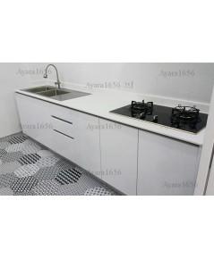 ชุดครัว Built-in โครงซีเมนต์บอร์ด หน้าบาน PVC สีขาวนวล
