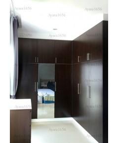 ตู้เสื้อผ้า Built-in โครงปาติเกิล หน้าบาน Melamine สี Oak