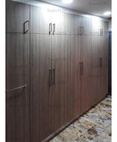 ตู้สูง Built-in โครงซีเมนต์บอร์ด หน้าบาน Laminate สี Mocca Firwood ลายไม้