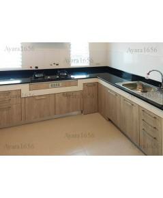 ชุดครัว Built-in ตู้ล่าง โครงซีเมนต์บอร์ด หน้าบาน Laminate สี Powdered Oak