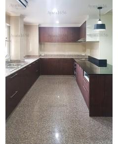 ชุดครัว Built-in ตู้ล่าง + วงกบ + Island โครงซีเมนต์บอร์ด หน้าบาน Laminate สี Lincoln Walnut