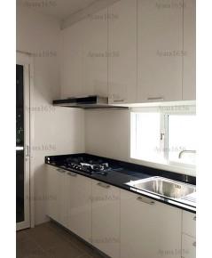 ชุดครัว Built-in ตู้ล่าง โครงซีเมนต์บอร์ด หน้าบาน Acrylic สีขาวนวล