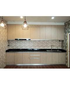 ชุดครัว Built-in ตู้ล่าง โครงซีเมนต์บอร์ด หน้าบาน Laminate สี Wheat Strand ลายไม้