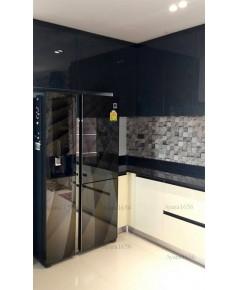 ชุดครัว Built-in ตู้ล่าง โครงซีเมนต์บอร์ด หน้าบาน Hi Gloss สีครีม เทา เหลือง ดำ