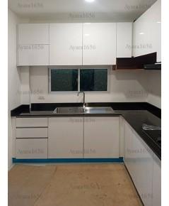 ชุดครัวบิวท์อิน ตู้ล่าง โครงซีเมนต์บอร์ด หน้าบาน PVC สีขาาวเงา - ม.คาซ่า พรีเมี่ยม