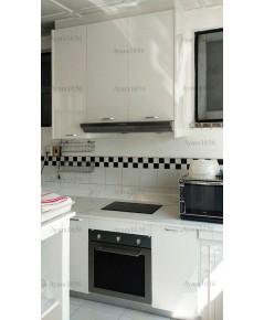 ชุดครัว Built-in ตู้ล่าง + วงกบ โครงซีเมนต์บอร์ด หน้าบาน Laminate สีขาวเงา