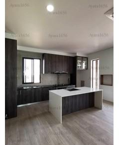 ชุดครัว Built-in ตู้ล่าง โครงซีเมนต์บอร์ด หน้าบาน Laminate สี Shadow Oak + Cottage Oak