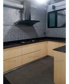 ชุดครัว Built-in ตู้ล่าง โครงซีเมนต์บอร์ด หน้าบาน Melamine สี Maple