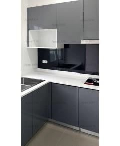 ชุดครัว Built-in ตู้ล่าง โครงซีเมนต์บอร์ด หน้าบาน Hi Gloss สีเทา PAUS
