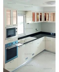 ชุดครัว Built-in ตู้ล่าง โครงซีเมนต์บอร์ด หน้าบาน Hi Gloss สีครีม