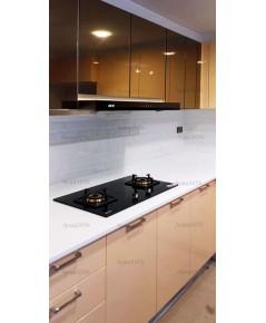 ชุดครัว Built-in ตู้ล่าง โครงซีเมนต์บอร์ด หน้าบาน Hi Gloss สีครีม - บ้านกลางเมือง ลูเซิร์น