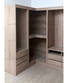 ตู้เสื้อผ้า Built-in โครงปาติเกิลกันชื้น หน้าบาน Melamine สี Walnut