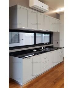 ชุดครัว Built-in ตู้ล่าง โครงปาติเกิล หน้าบาน PVC สีเทาอ่อน