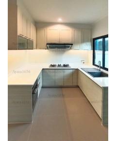 ชุดครัว Built-in โครงซีเมนต์บอร์ด หน้าบาน Laminate สี Silverbrush Wood-Cross+PVC สีครีม - ม.ศุภาลัย