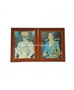 รูปภาพในหลวง/พระราชินี กรอบไม้แกะสลัก 1975 98.5*124 ซม.
