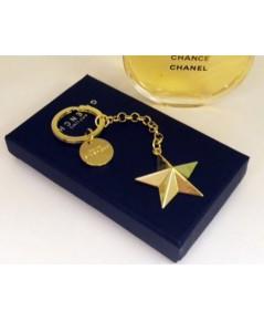 Givenchy Golden Star Keychain พวงกุญแจดาวสีทองสุดหรู