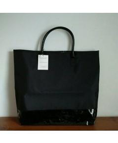 Burberry Tote Bag กระเป๋าใส่ของผ้าไนล่อนขลิปหนังสีดำใบใหญ่ใส่ของจุมาก