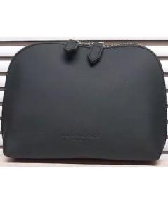 Burberry Beauty Black Cosmetic Pouch กระเป๋าเครื่องสำอางหนังสีดำ