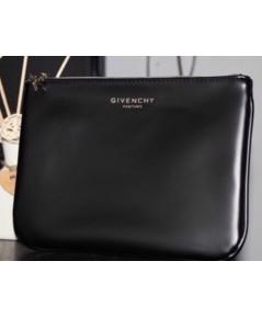 Givenchy Flap Cosmetic Bag with Golden Star Zipper กระเป๋าเครื่องสำอางหัวซิปเป็นดาวสีทอง
