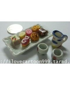 ชุดเบอร์เกอร์รี่พร้อมน้ำชาขนาดจิ๋วประกอบด้วย ขนม 8 ชิ้น ถาดสี่เหลี่ยมขนาด 2.5*1 นิ้ว กาน้ำชา.....