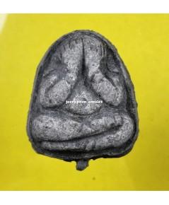 พระปิดตา ยุคต้น (ฉลองอายุครบ 72 ปี) เนื้อผงดำ ปี 52 ลพ.ตี๋ วัดหูช้าง
