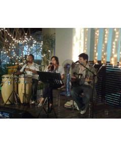 งานขึ้นบ้านใหม่ของท่านรองผู้ว่าพร้อมกันสี่หลัง กับวง Trio ACOUSTIC
