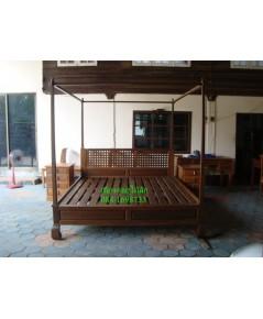 เตียงไม้สักขาคู้P08