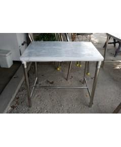 โต๊ะสแตนเลส 62*90*75 ซม.