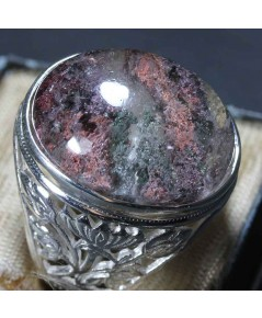 แหวนแก้วปวกเขียวแซมปวกม่วงเล็กน้อย ขนาดเม็ด 16*21 มม. ตัวเรือนเงินขนาด 64 โฉลกสำหรับวันพุธ และเสาร์