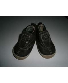 รองเท้าผ้าใบ Old Navy Size 0-3 Month ความยาว 11cm ของใหม่