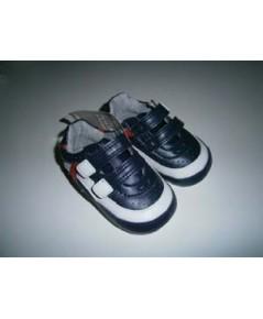 รองเท้าผ้าใบสุดเท่ mothercare size 2 ความยาว 11.5cm ของใหม่
