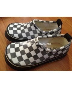 รองเท้าผ้าใบแฟชั่นเกาหลีลายตารางหมากรุกสีดำขาว ขนาด 15 cm