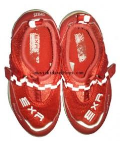 รองเท้าผ้าใบหนังทรงสปอร์ตสีแดง size 14 cm