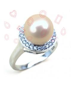 แหวนมุกสีขาว ล้อมเพชร CZ