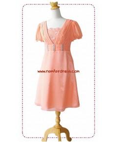 ชุดราตรี ชุดราตรีสั้น ผ้าชีฟองสีส้ม คอวีกว้าง ประดับมุกเรียงบริเวณเอว
