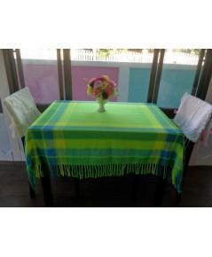 ผ้าปูโต๊ะอาหารสีสดใส