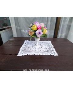 ผ้ารองแจกันดอกไม้แบบถัก
