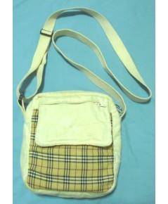 กระเป๋าสะพายผ้าดิบแต่งด้วยผ้าลายสก็อต