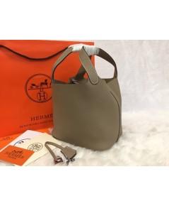 Hermes Picotin Lock Bag PM in Gris Tourterelle สีเทาอ่อน 18 CM