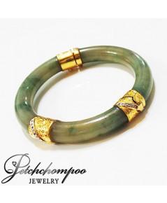 กำไลหยกพม่าหุ้มทองคำฝังเพชร
