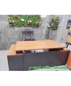 โต๊ะทำงานผู้บริหาร