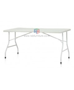 โต๊ะพับอเนกประสงค์ หน้าโต๊ะผลิตจากพลาสติกคุณภาพสูง พับครึ่งได้ รหัส 2553