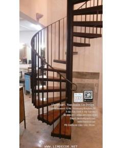LD–B1254 บันไดวนเหล็กพื้นไม้ระแนง Metal Spiral Staircase with Lath Wood Flooring